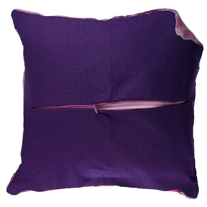 dos coussin violet yumatex sur broderies et. Black Bedroom Furniture Sets. Home Design Ideas