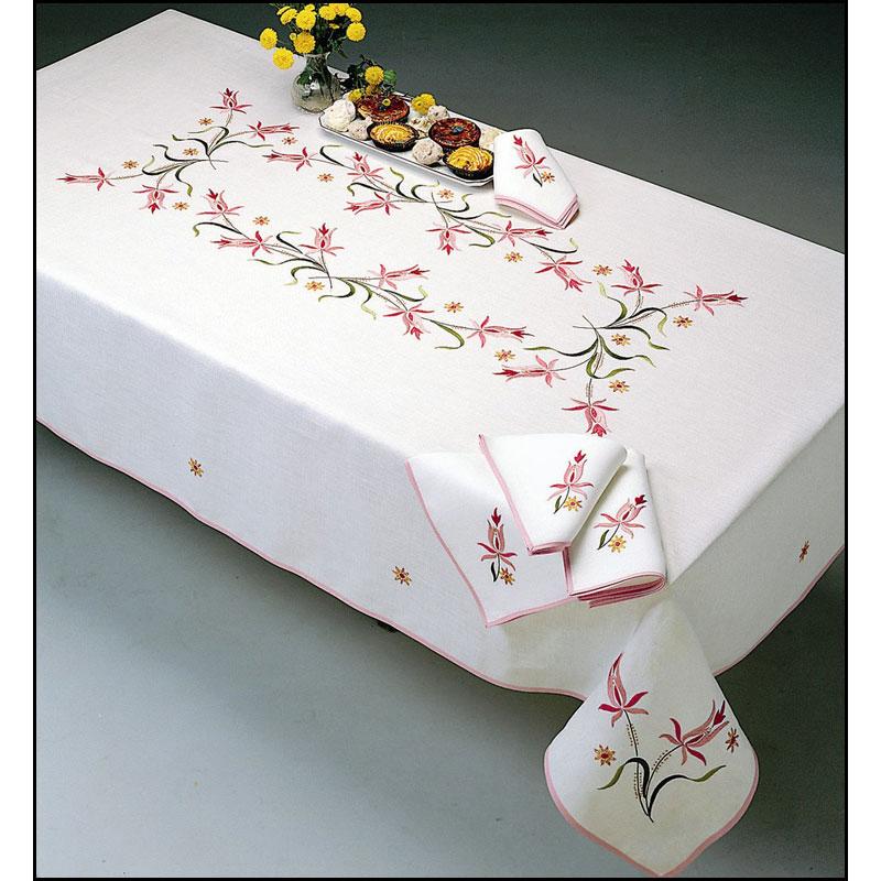 charlotte nappe rectangulaire point de broderie margot 9053 broderies cie. Black Bedroom Furniture Sets. Home Design Ideas