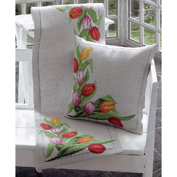 chemin de table les tulipes anchor sur broderies et compagnie. Black Bedroom Furniture Sets. Home Design Ideas