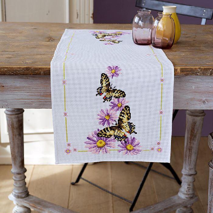 kit chemin de table point de croix point compt papillons vervaco broderies cie. Black Bedroom Furniture Sets. Home Design Ideas