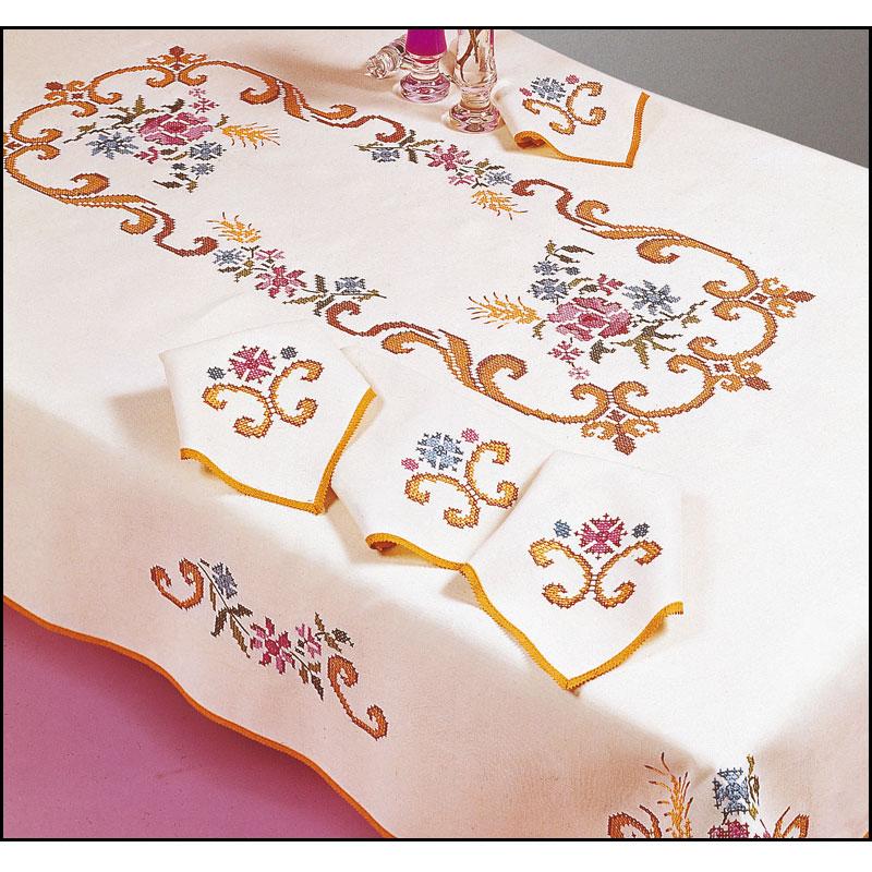 p n lope nappe ronde imprim e point de croix margot 8769 broderies cie. Black Bedroom Furniture Sets. Home Design Ideas