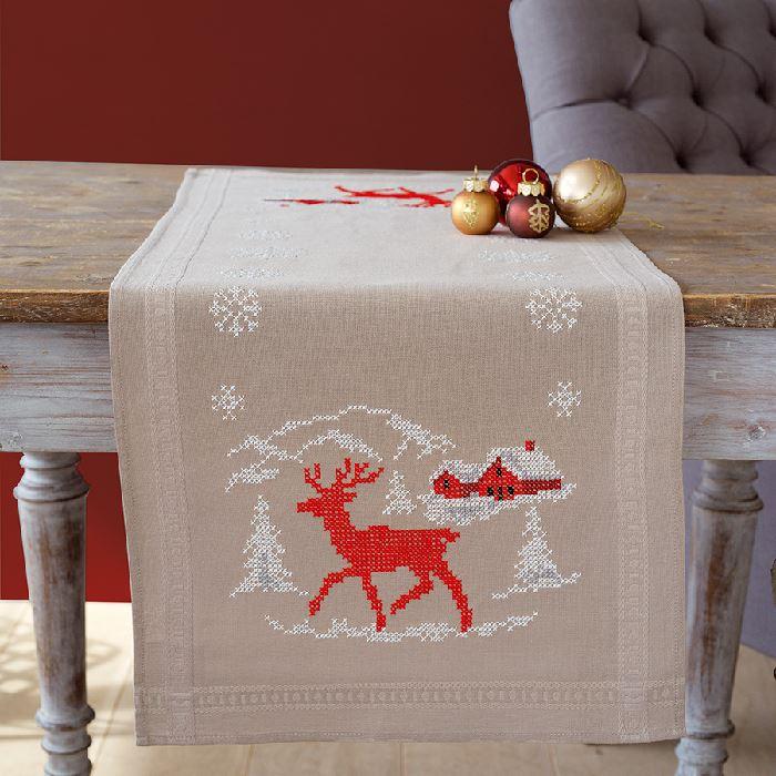 kit chemin de table imprim point de croix hiver norv gien vervaco broderies cie. Black Bedroom Furniture Sets. Home Design Ideas