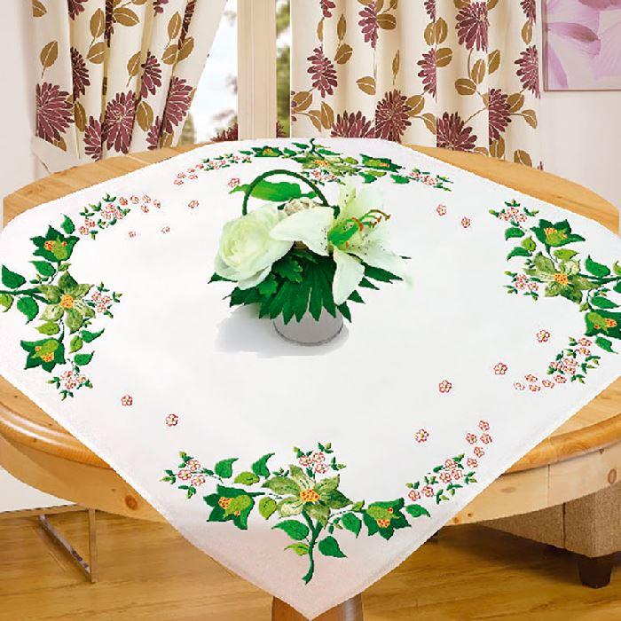 nappe imprim e broder en broderie traditionnelle verdure avila broderies cie. Black Bedroom Furniture Sets. Home Design Ideas